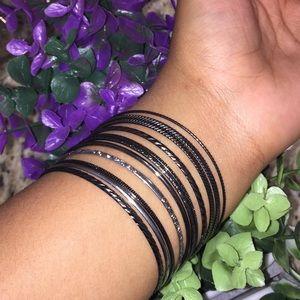 Jewelry - 10 pc Dangle Bracelets
